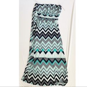 Plus size maxi with pockets